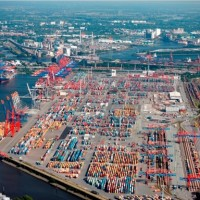 Порт г. Гамбурга держит твердый курс