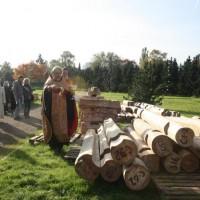 Деревянный храм приехал в Гамбург